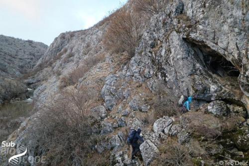 At the entrance to Muljska pećina cave.